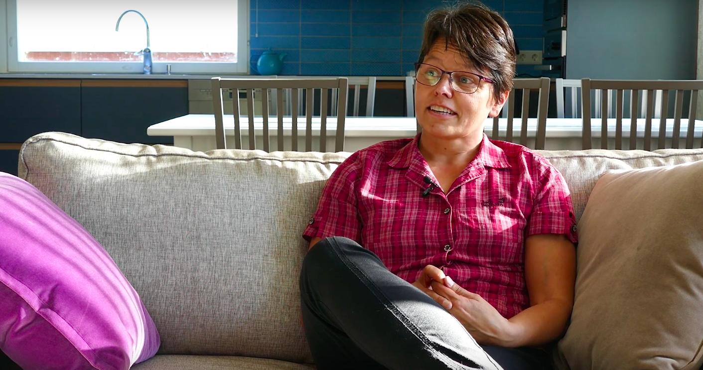 VIDEO Leena Sipon kokemuksia JSP Keittiöistä  Kokemuksia fi